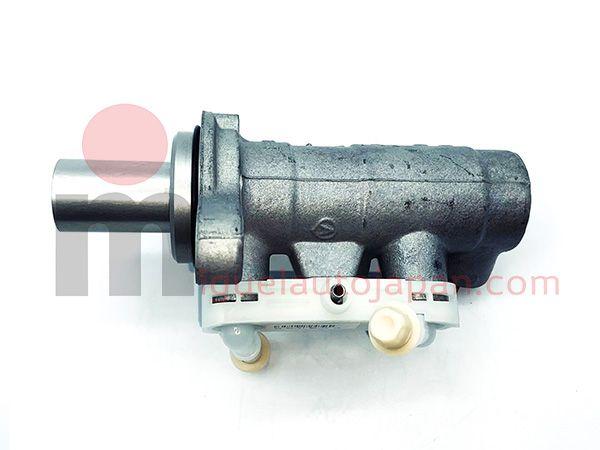 Bomba de freno para Nissan Cabstar F24 YD25  2006-2012